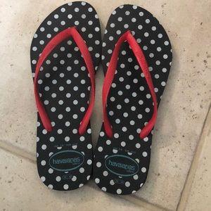 Havaianas polka dot flip flops size 7/8